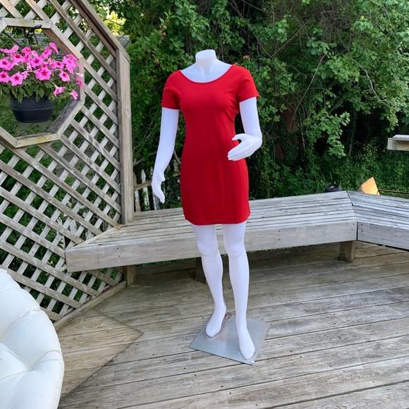 Dresses & Skirts - Red short sleeve dress